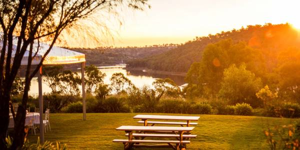 Tourism Darling Downs, Reflections Lake Cooby, Camp Sites, Weddings, Conferences
