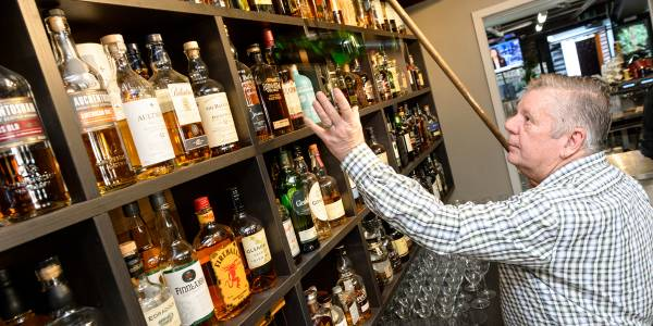 Tourism Darling Downs, Shackleton's Whisky Bar, Pubs & Bars