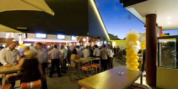 Tourism Darling Downs, Fitzy's Toowoomba, Pubs & Bars